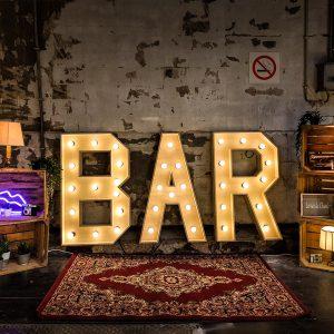 BAR lichtletters huren LED verlichting dimbaar
