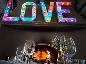 LOVE lichtletters huren LED dimbaar
