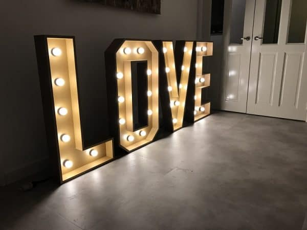 bruiloft-lichtletters-love