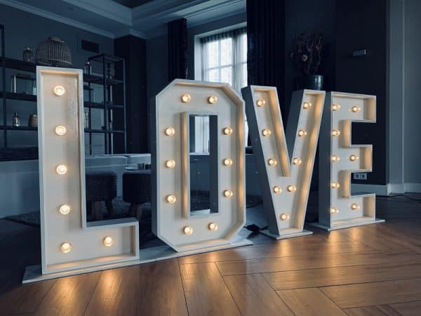 verlichte-letters-love