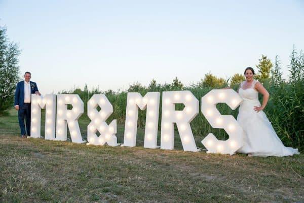 lichtletters verhuur Mr & Mrs lichtletters huren